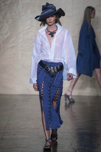 donna karen spring 2014 7 350x524 Donna Karan Spring 2014 | New York Fashion Week