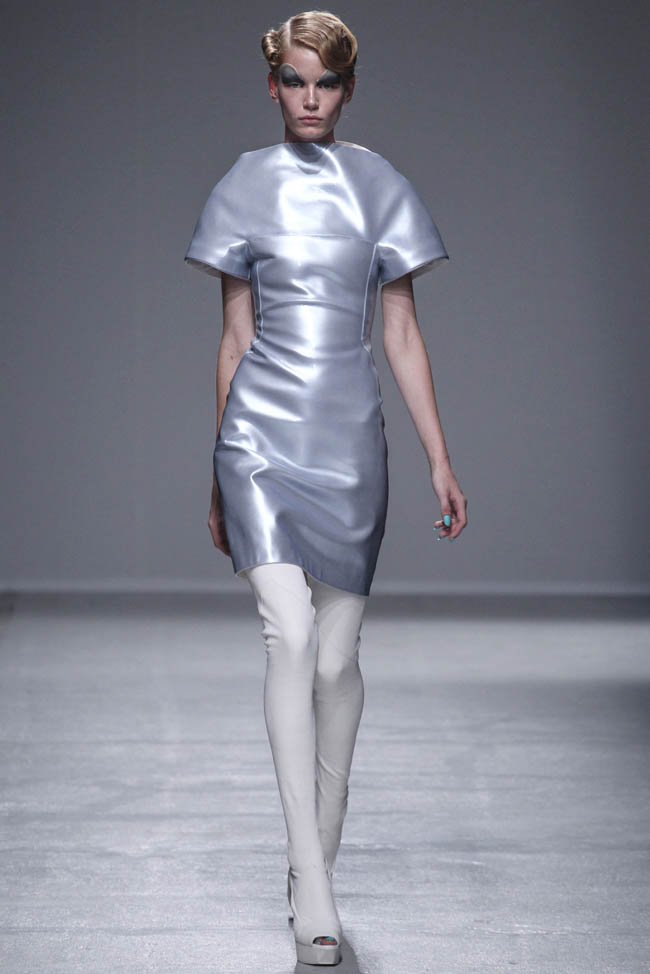 gareth pugh spring 2014 19 5 Stunning Paris Fashion Week Spring/Summer 2014 Trends