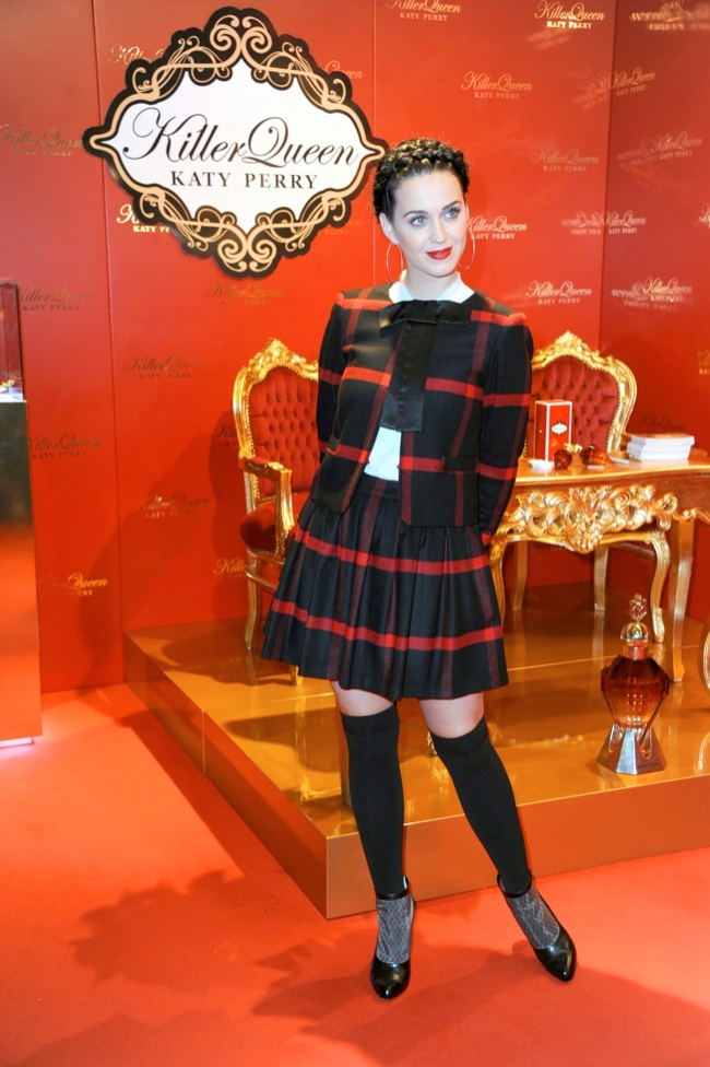 katy perry alice olivia1 Katy Perry Wears Alice + Olivia at Her Killer Queen Fragrance Launch in Berlin