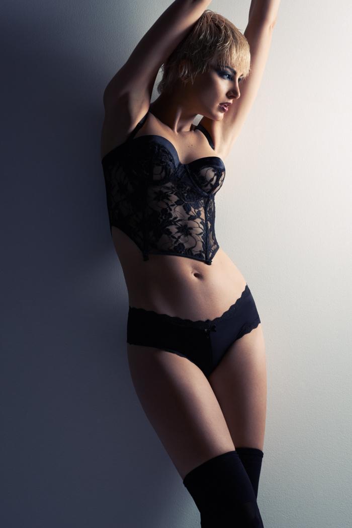 Leigh Yeager Models Bombshell Looks for Jeff Tse Shoot