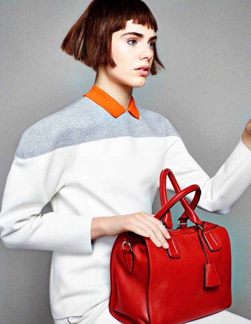 madame figaro7 Anja Cihoric Poses with Fall Accessories for Madame Figaro by Matias Indjic