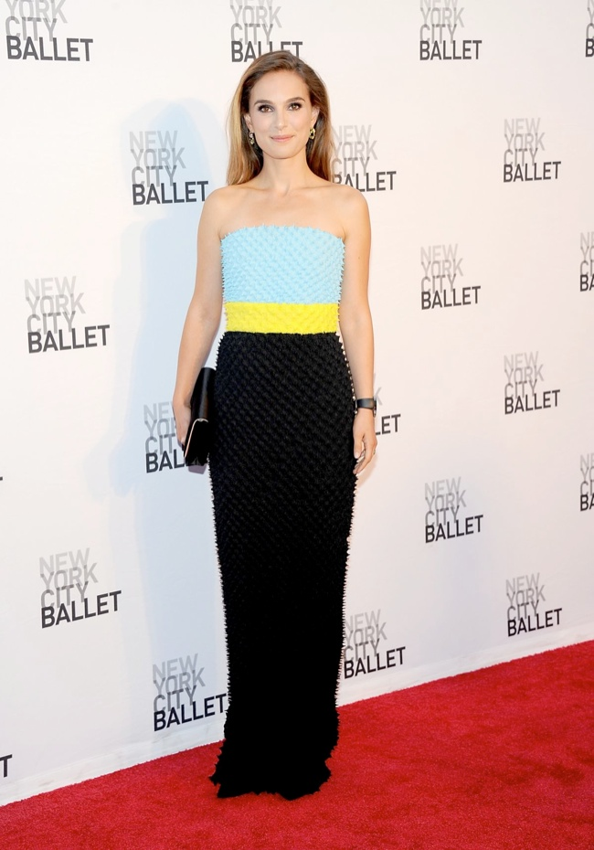natalie dior couture1 Natalie Portman Wears DIor Haute Couture at the 2013 NYC Ballet Gala