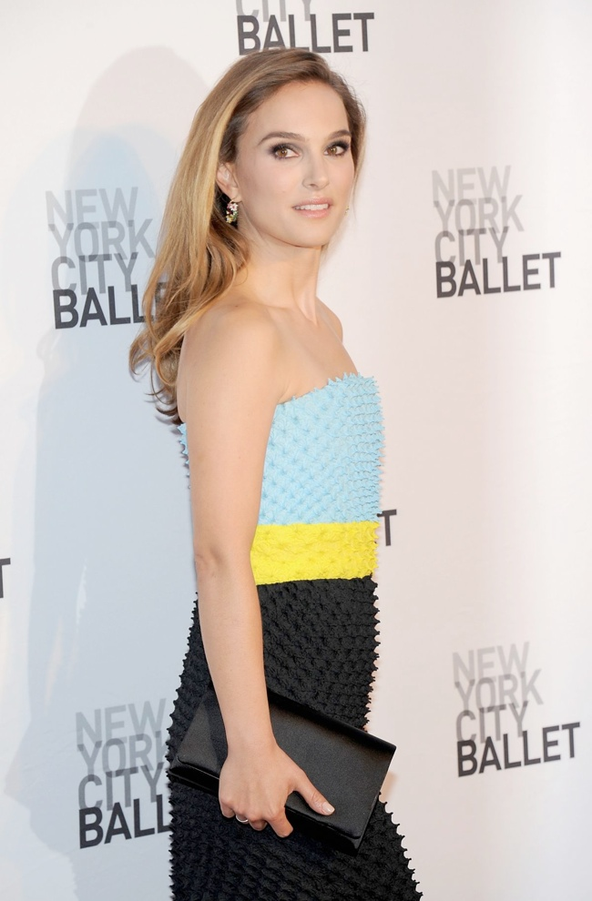 natalie dior couture3 Natalie Portman Wears DIor Haute Couture at the 2013 NYC Ballet Gala