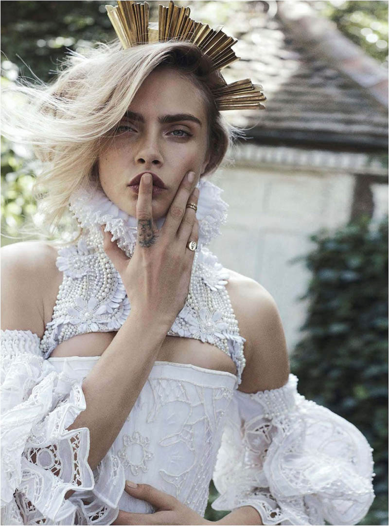 queen cara4 Cara Delevingne Channels Royalty in Vogue Australia Shoot by Benny Horne