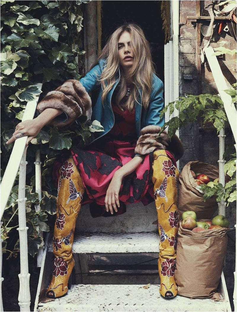 queen cara7 Cara Delevingne Channels Royalty in Vogue Australia Shoot by Benny Horne