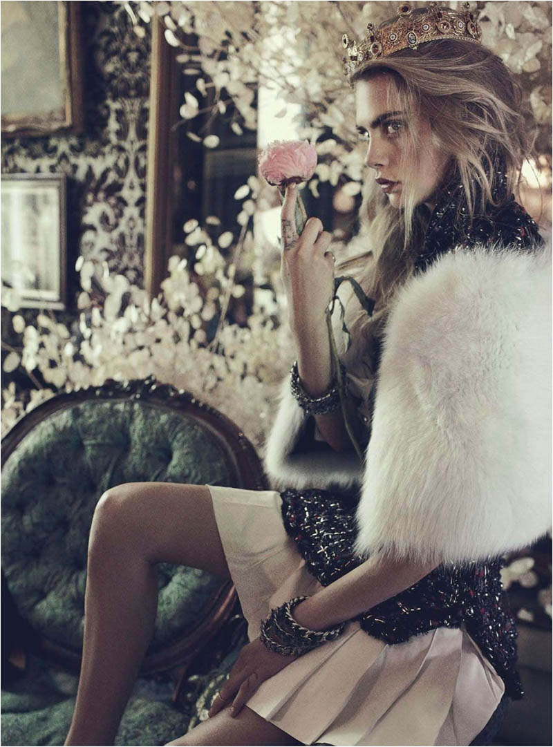queen cara9 Cara Delevingne Channels Royalty in Vogue Australia Shoot by Benny Horne