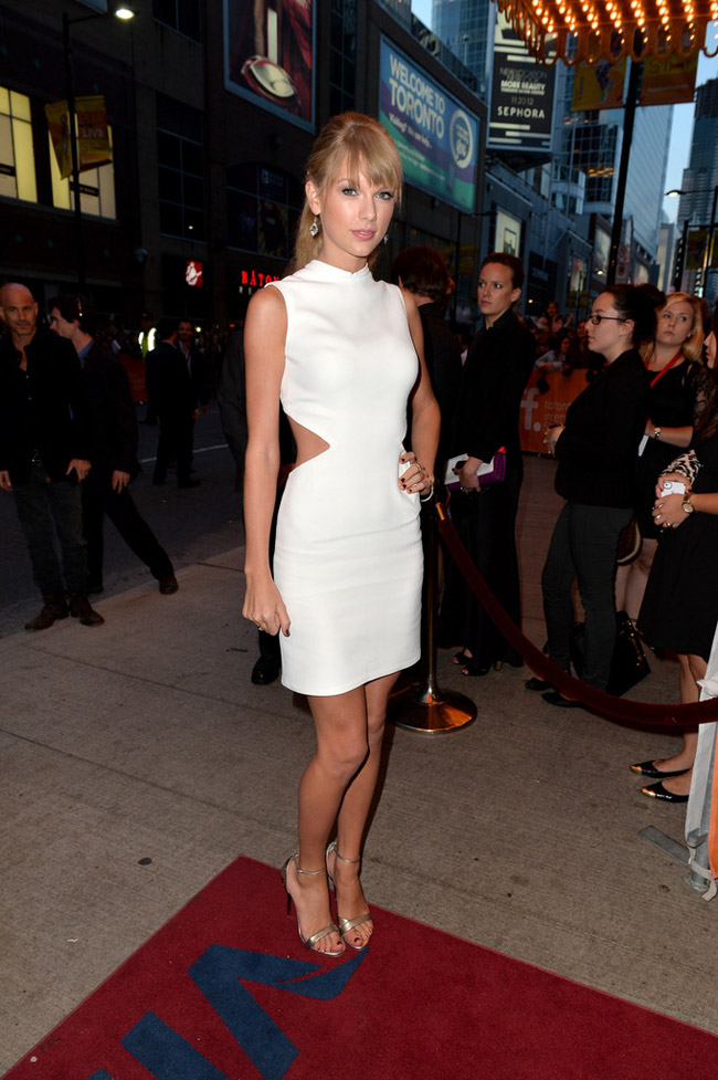 "Taylor Swift Wears Calvin Klein Collection at the ""One Chance"" Premiere"