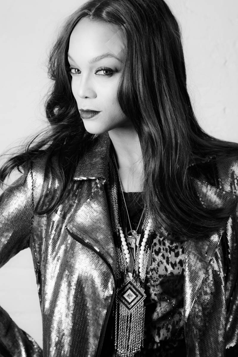 """Tyra Banks Channels Twiggy, Kate Moss in """"15"""" A Tribute To The Supermodel"""