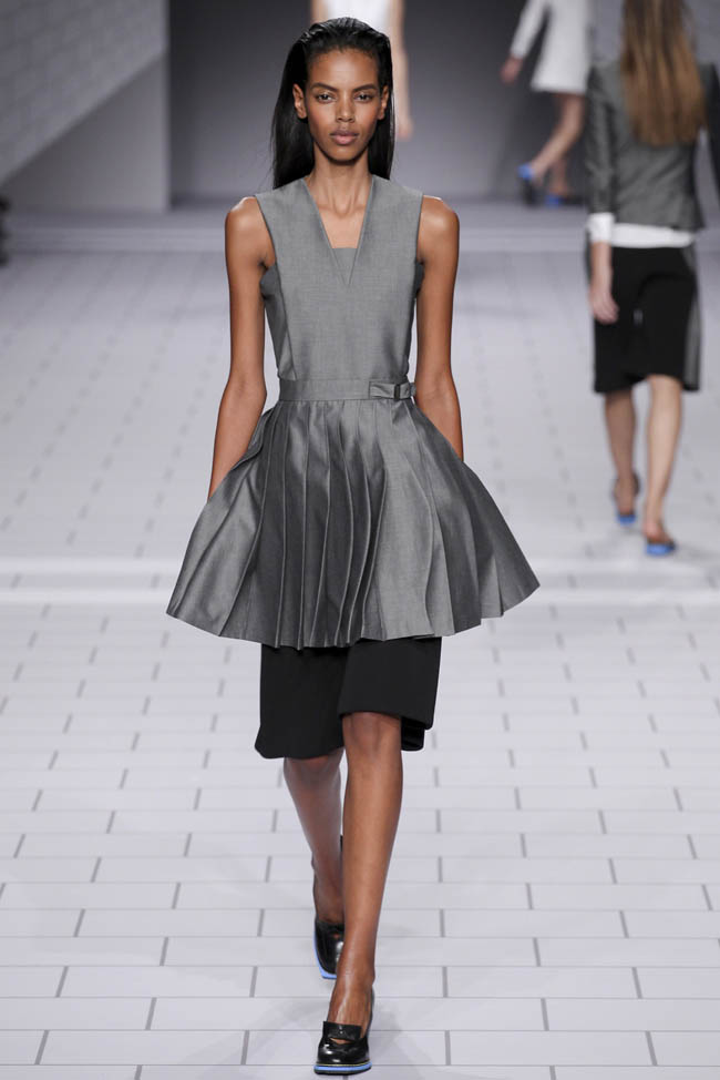 viktor rolf spring 2014 7 5 Stunning Paris Fashion Week Spring/Summer 2014 Trends