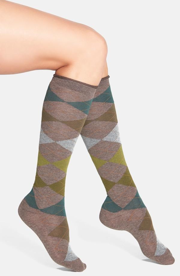Hue-Argyle-Knee-Socks