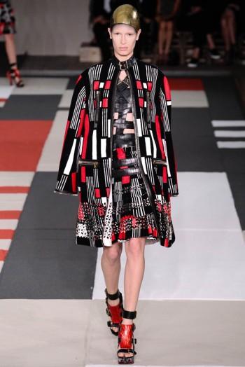 Alexander McQueen Spring/Summer 2014   Paris Fashion Week