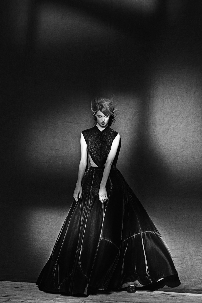 azzedine alaia exhibit5 Lindsey Wixson Poses for Azzedine Alaia Retrospective by Peter Lindbergh