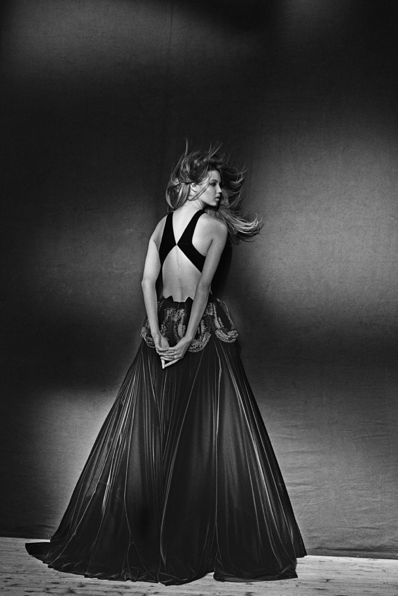 azzedine alaia exhibit8 Lindsey Wixson Poses for Azzedine Alaia Retrospective by Peter Lindbergh