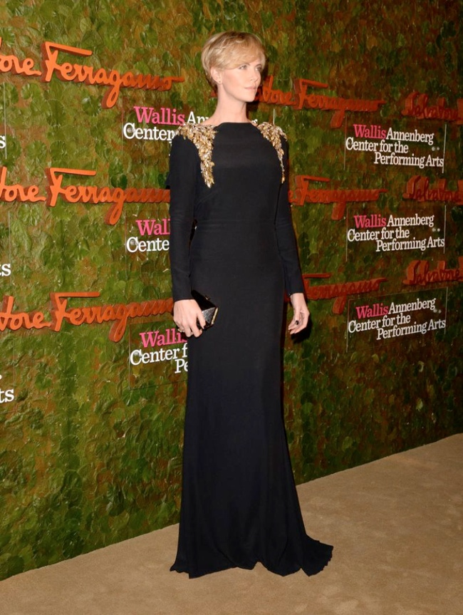 charlize alexander mcqueen2 Charlize Theron Wears Alexander McQueen at the Wallis Annenberg Centre Performing Arts Inaugural Gala