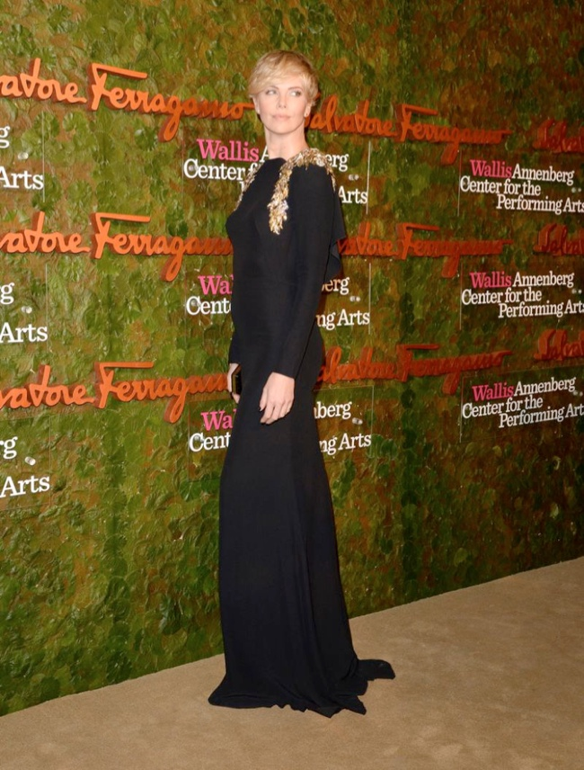 charlize alexander mcqueen3 Charlize Theron Wears Alexander McQueen at the Wallis Annenberg Centre Performing Arts Inaugural Gala