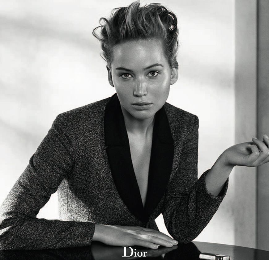dior mag jennifer lawrence5 Jennifer Lawrences Best Dior Moments
