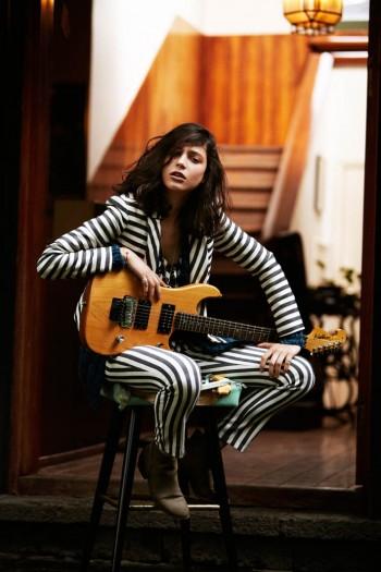 Lorena Okhuysen Makes Music for Elle Mexico Shoot by Santiago Ruisenor