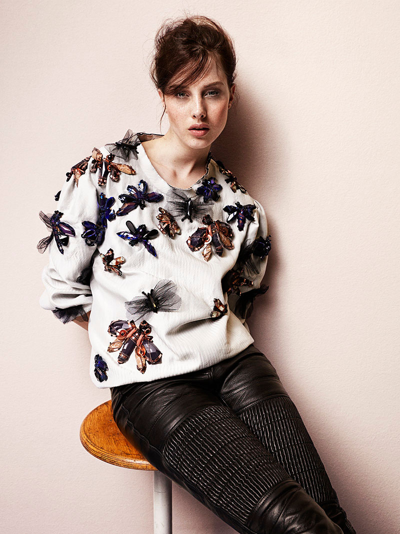 felpe3 Jo Wears Stylish Sweaters for Grazia Italy Shoot by Zoltan Tombor