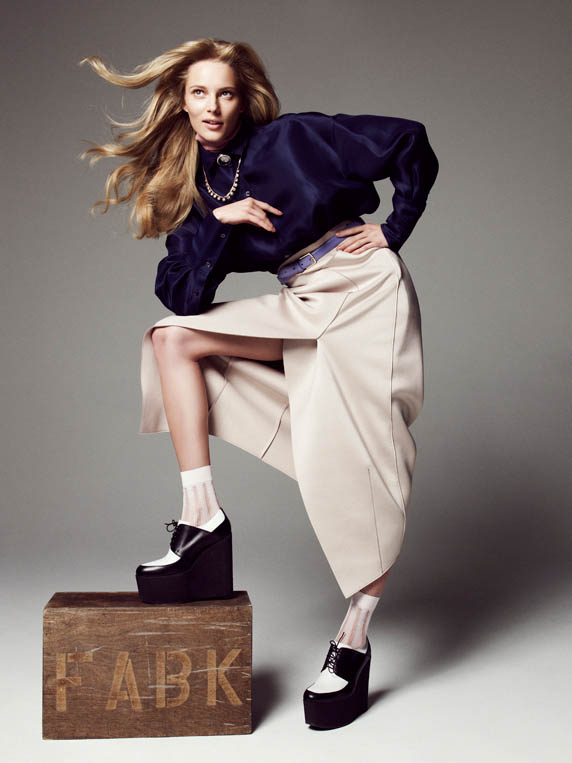 ieva please shoot1 Ieva Laguna is Ladylike Chic for Nagi Sakai in Please! Shoot