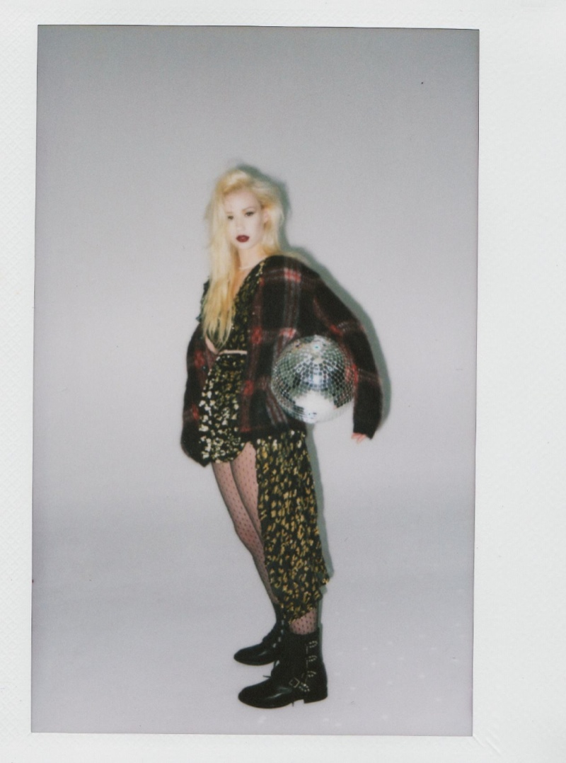 iggy azalea shoot4 Iggy Azalea Stars in Papers October 2013 Cover Story by Harper Smith