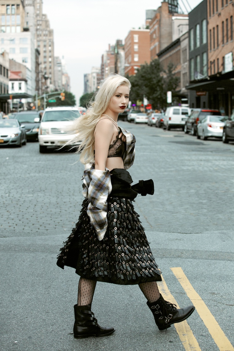 iggy azalea shoot6 Iggy Azalea Stars in Papers October 2013 Cover Story by Harper Smith