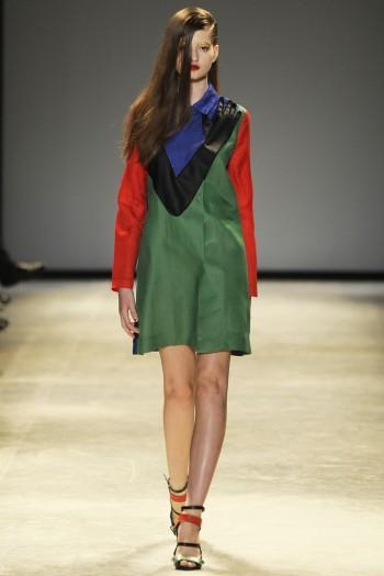 Paris Fashion Week Spring/Summer 2014 Day 8 Recap   Valentino, Alexander McQueen, Chanel + More