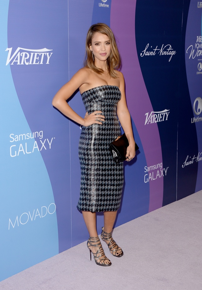jessica alba dior 2013 2 Jessica Alba Wears Dior at Varietys 5th Annual Power of Women Event