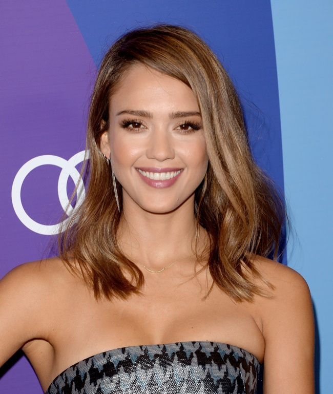 jessica alba dior 2013 3 Jessica Alba Wears Dior at Varietys 5th Annual Power of Women Event