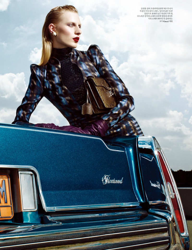 julia nobis w shoot4 Julia Nobis Models Gucci for Santiago & Mauricio in W Korea Spread