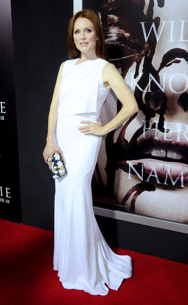 "Julianne Moore Wears Givenchy at the ""Carrie"" World Premiere"