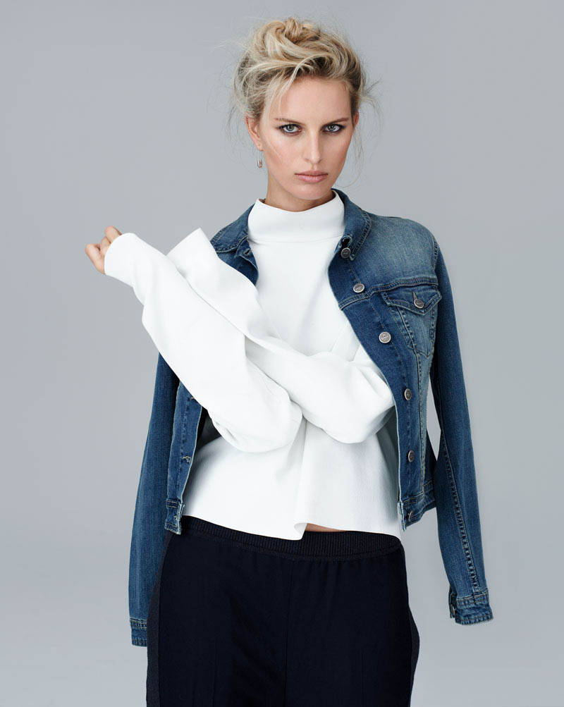 karolina kurkova 3 Karolina Kurkova Stuns in Denim for S Moda Shoot by Eric Guillemain