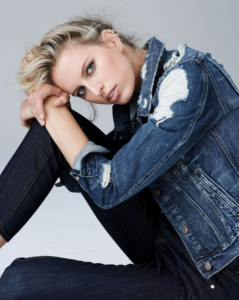 karolina kurkova 6 Karolina Kurkova Stuns in Denim for S Moda Shoot by Eric Guillemain