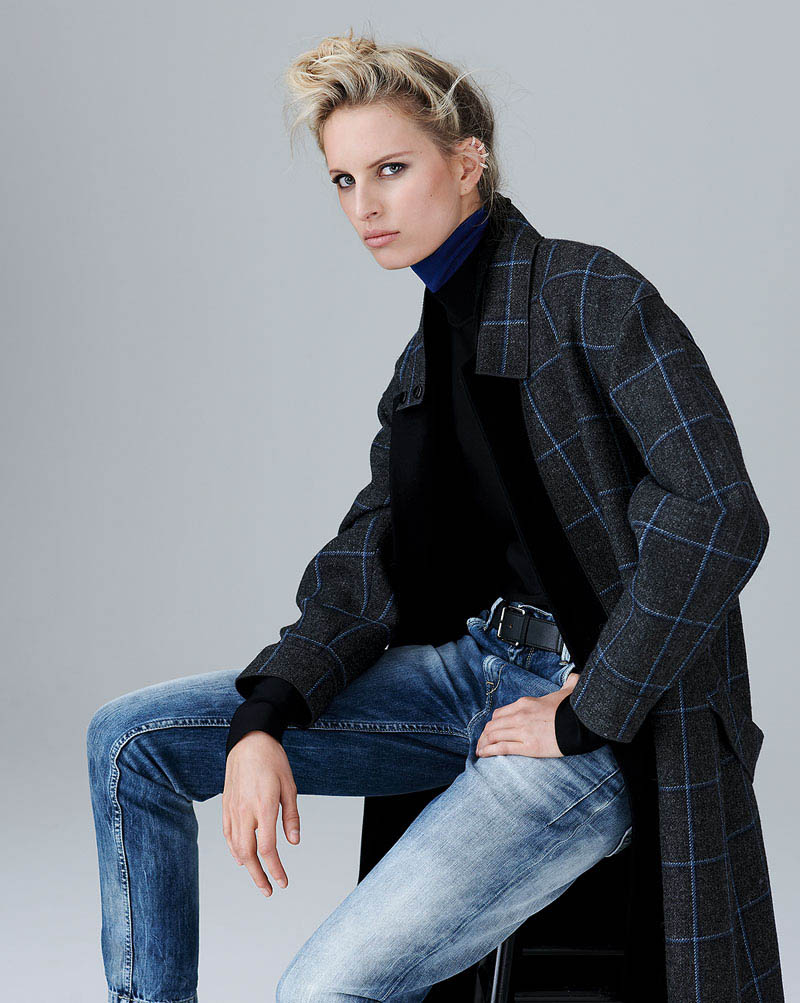 karolina kurkova 7 Karolina Kurkova Stuns in Denim for S Moda Shoot by Eric Guillemain