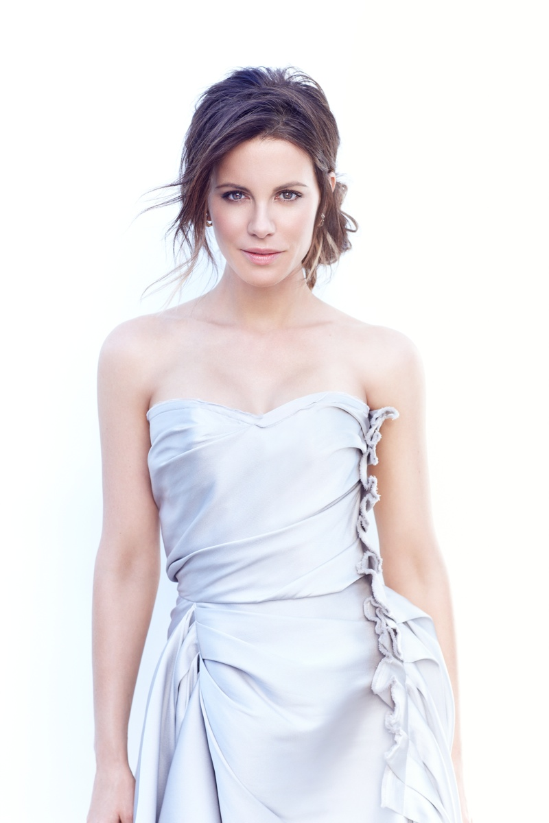 kate beckinsale3 Kate Beckinsale Stuns for Diego Uchitel in C Magazine Spread