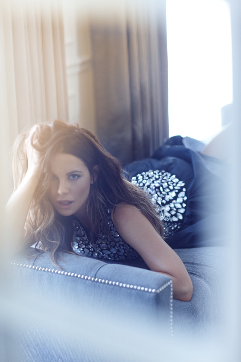kate beckinsale6 Kate Beckinsale Stuns for Diego Uchitel in C Magazine Spread