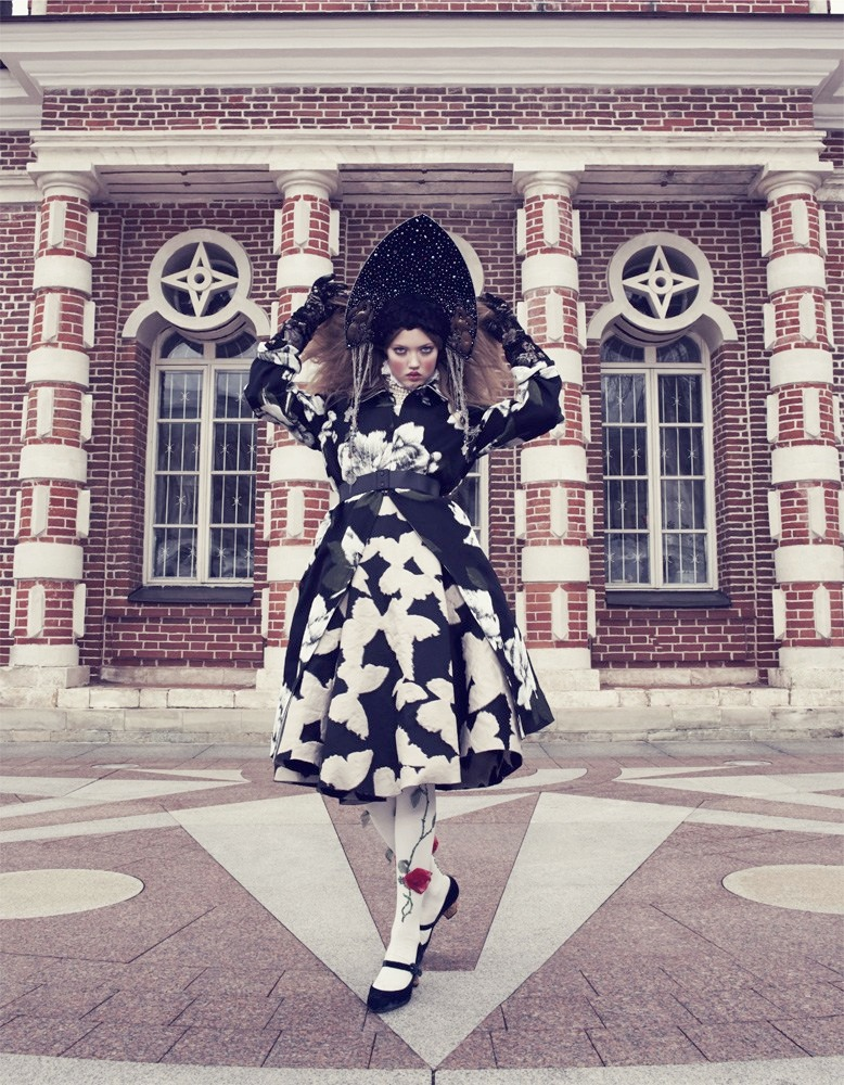 lindsey wixson model4 Lindsey Wixson Models Winter Fashions for Emma Summerton in Vogue Japan