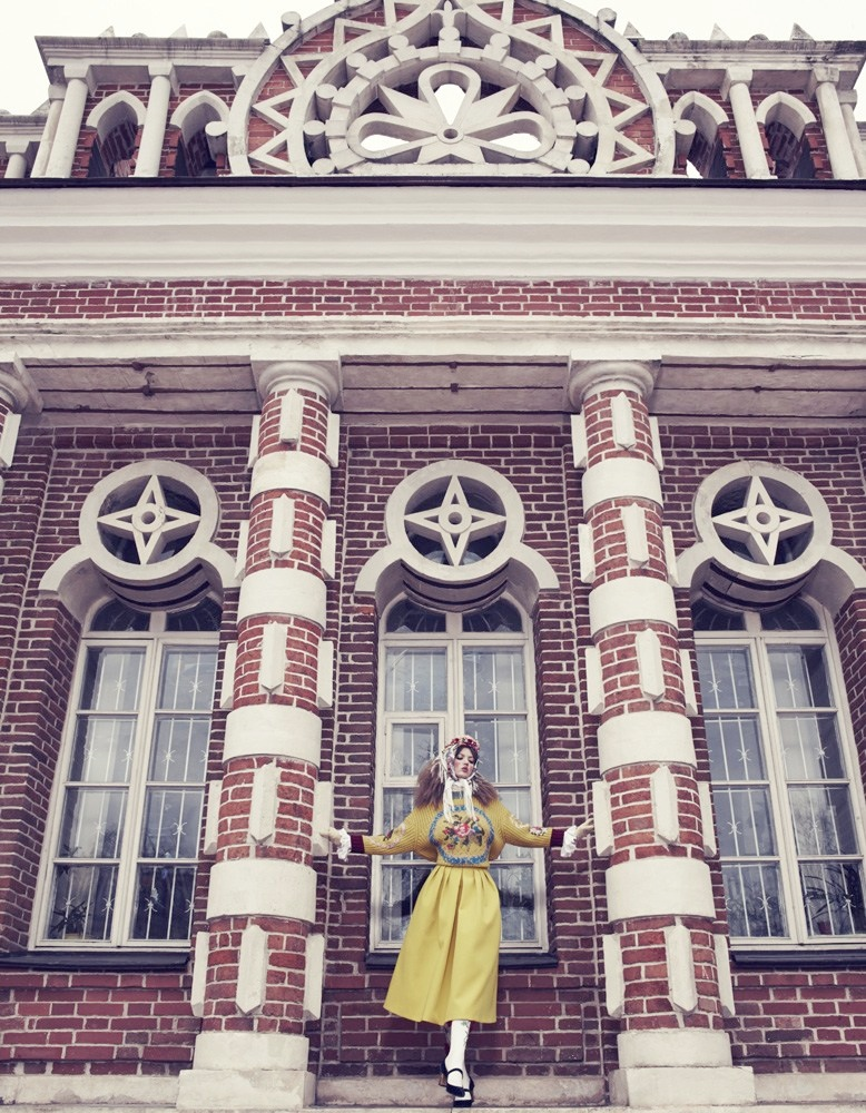 lindsey wixson model5 Lindsey Wixson Models Winter Fashions for Emma Summerton in Vogue Japan
