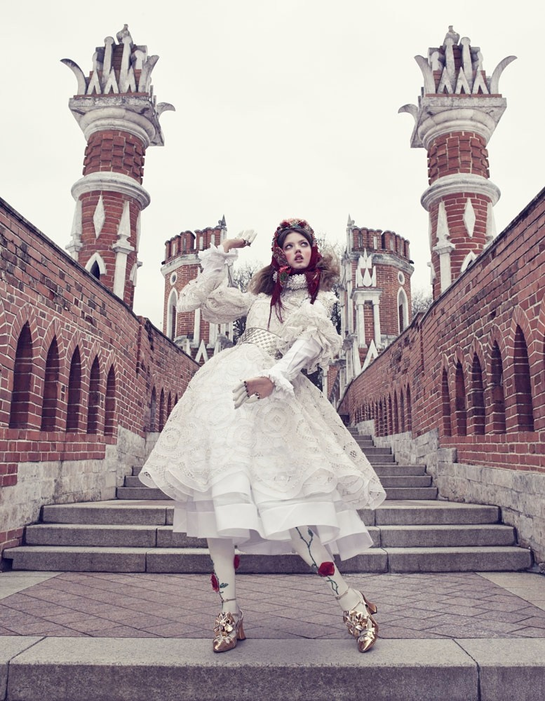 lindsey wixson model6 Lindsey Wixson Models Winter Fashions for Emma Summerton in Vogue Japan