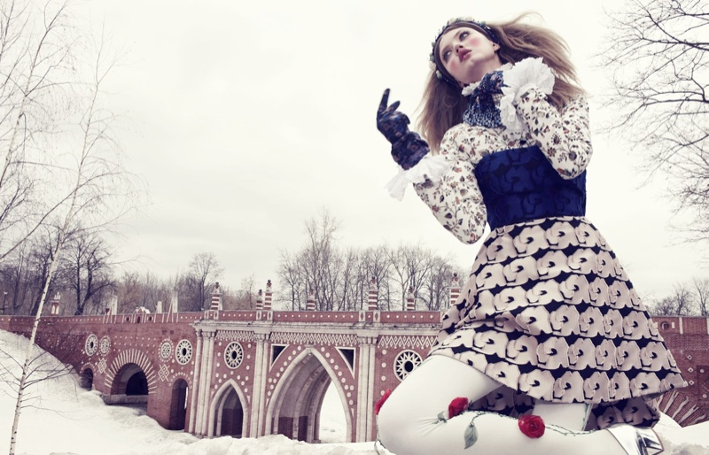 lindsey wixson model8 Lindsey Wixson Models Winter Fashions for Emma Summerton in Vogue Japan