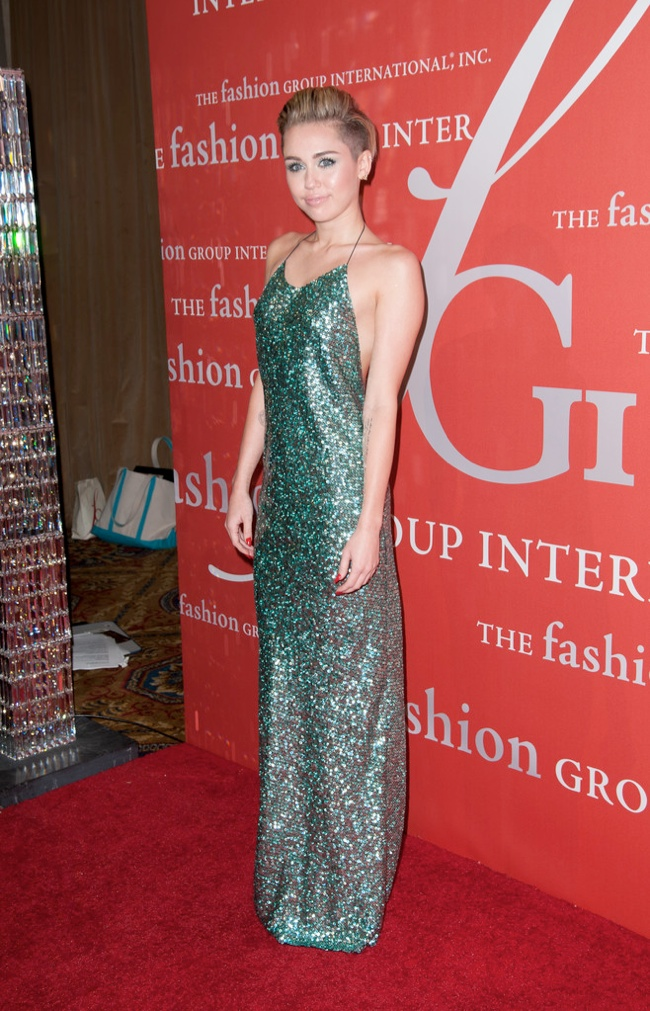miley marc jacobs dress2 Miley Cyrus Wears Marc Jacobs at the 2013 Night of Stars Event