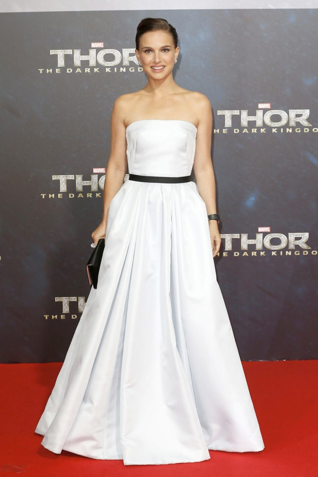 natalie dior berlin1 Natalie Portman in Dior Haute Couture at Thor: The Dark World Berlin Premiere