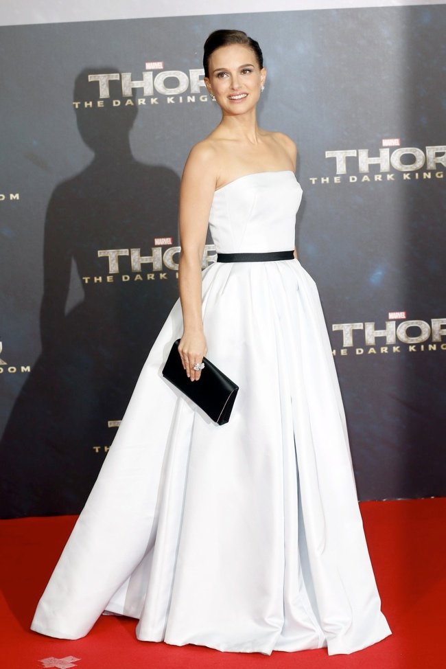natalie dior berlin2 Natalie Portman in Dior Haute Couture at Thor: The Dark World Berlin Premiere