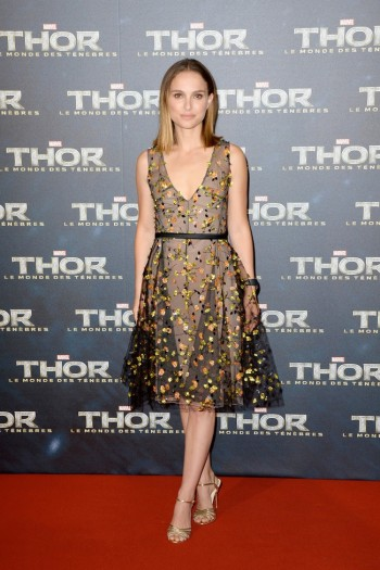 "Natalie Portman Wears Dior Haute Couture at the ""Thor: The Dark World"" Paris Premiere"