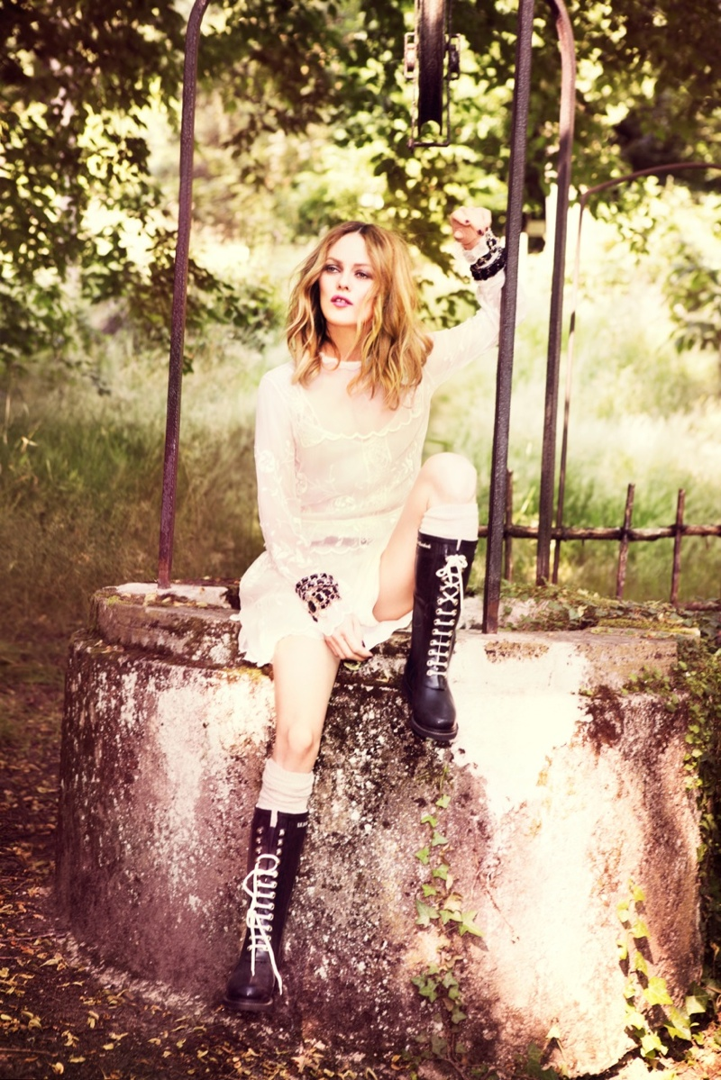 vanessa paradis 2013 3 Vanessa Paradis Poses for Ellen von Unwerth in Chanel for Madame Figaro
