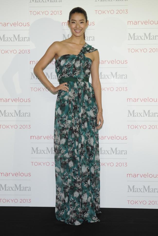 Sumire Jennifer Garner, Tao Okamoto + More Stars at Max Mara Tokyo Event