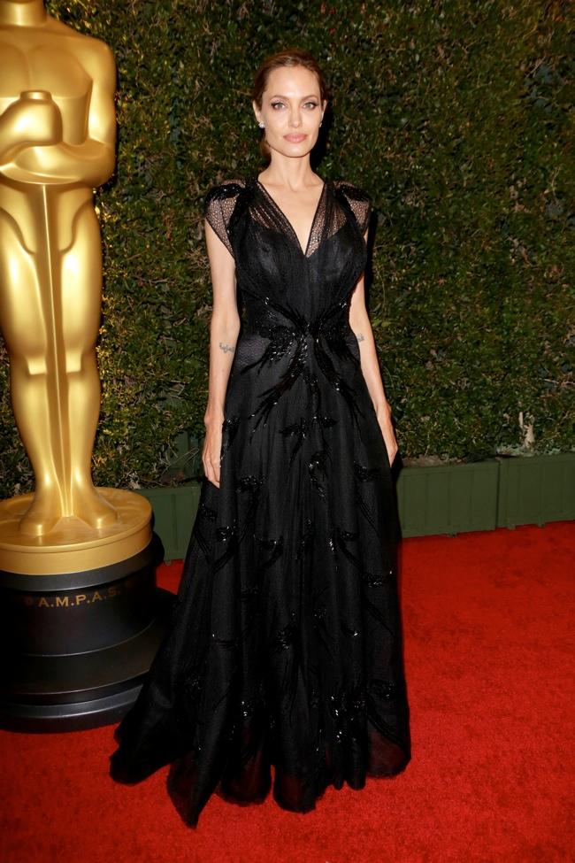 angelina atelier versace1 Angelina Jolie Wears Atelier Versace at the 2013 Governors Awards
