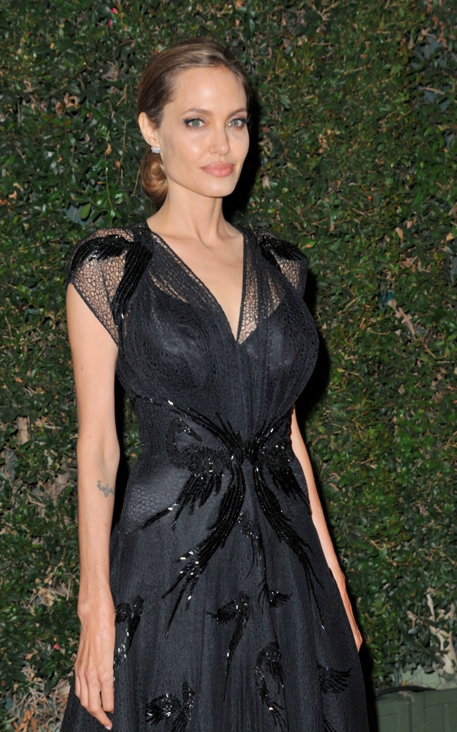 angelina atelier versace3 Angelina Jolie Wears Atelier Versace at the 2013 Governors Awards