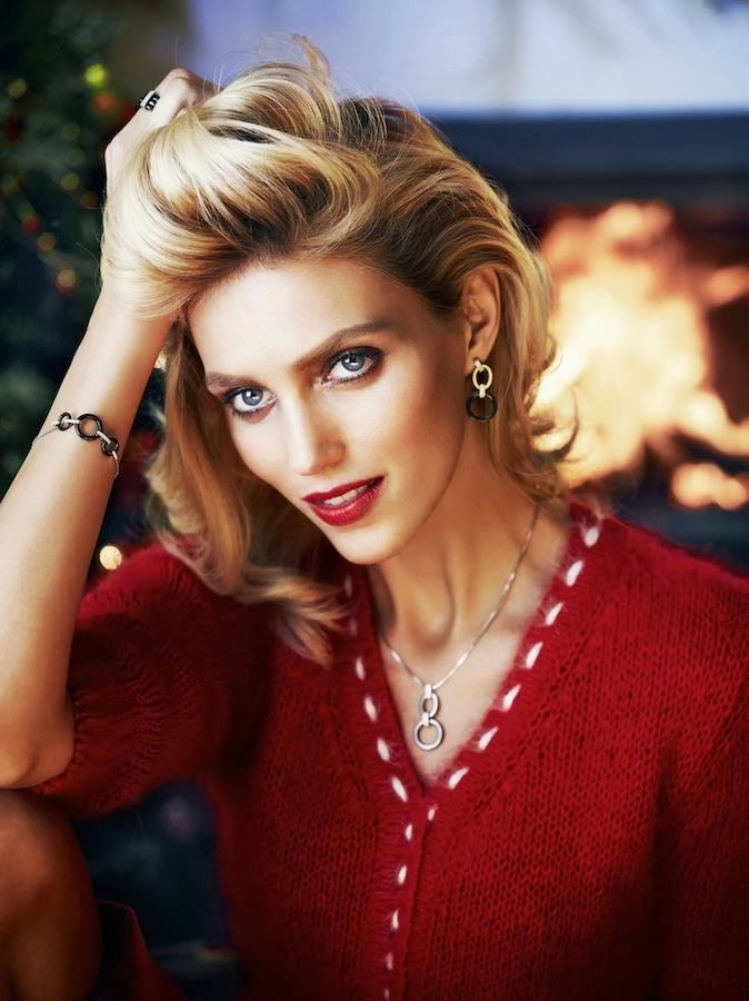 anja rubik apart christmas14 Anja Rubik Cozies up to Husband in Aparts Christmas 2013 Ads