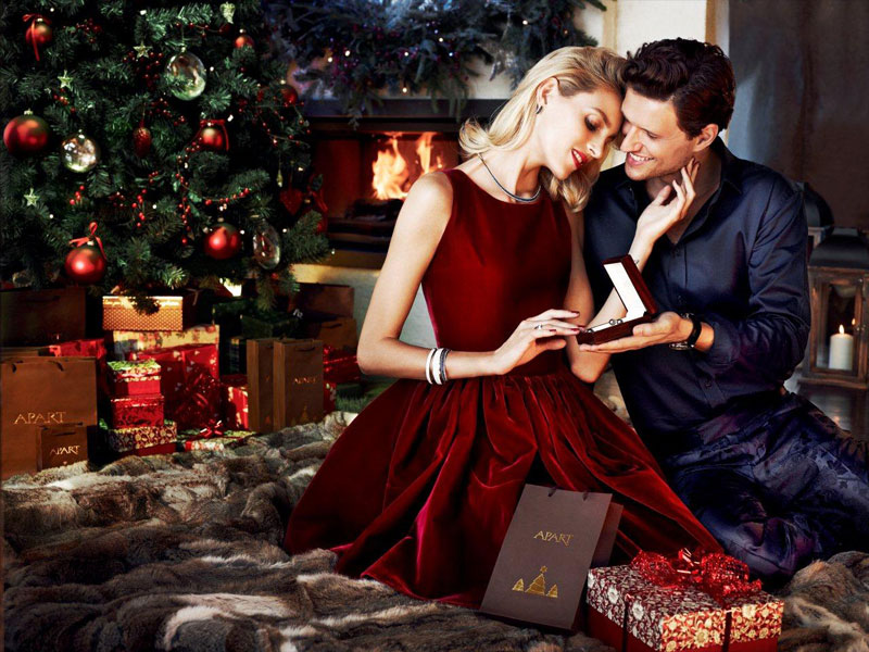anja rubik apart christmas4 Anja Rubik Cozies up to Husband in Aparts Christmas 2013 Ads