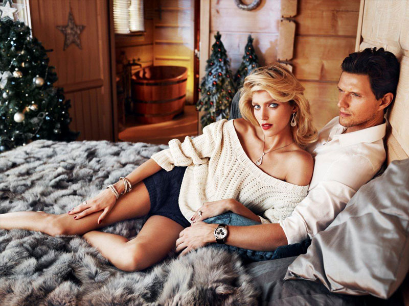anja rubik apart christmas5 Anja Rubik Cozies up to Husband in Aparts Christmas 2013 Ads